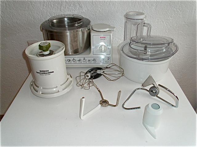 bosch mum 6012 02 universal k chenmaschine viel zubeh r ebay. Black Bedroom Furniture Sets. Home Design Ideas