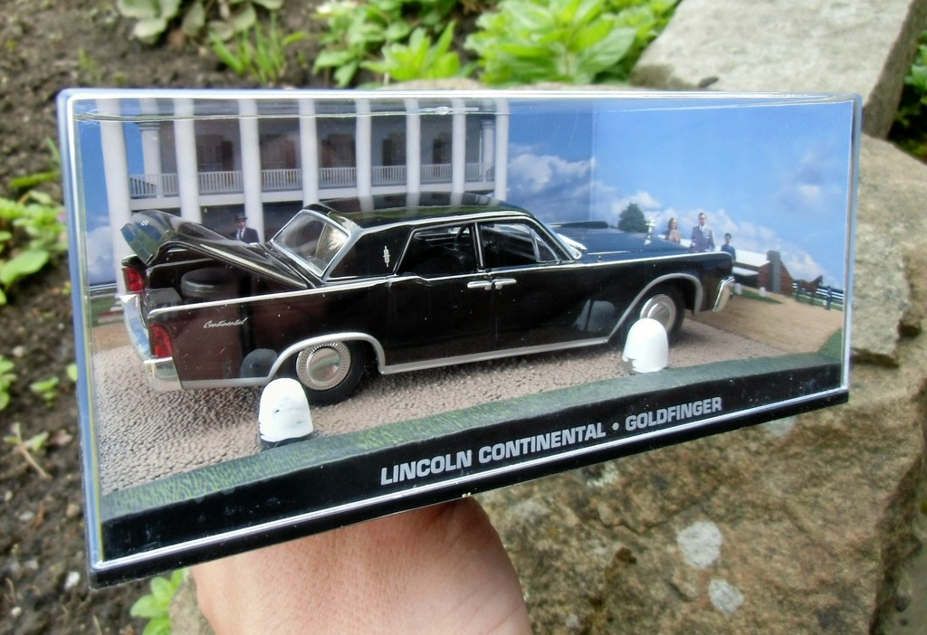 007 james bond lincoln continental goldfinger 1 43 boxed car model connery. Black Bedroom Furniture Sets. Home Design Ideas