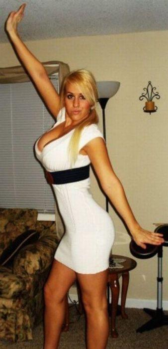 Obcisłe sukienki 6