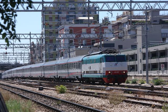 E444-032 Bari via Emanele Mola