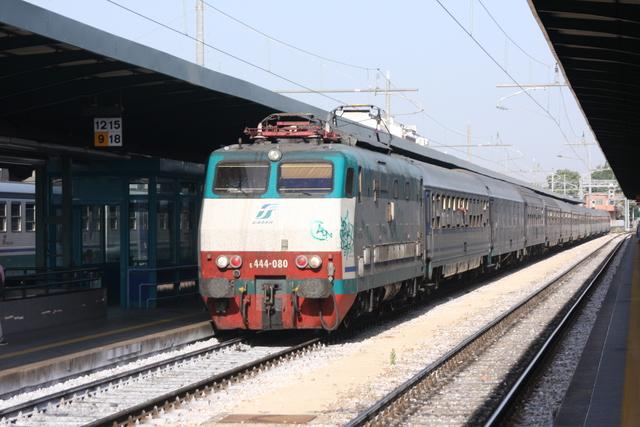 E444-080 Bari Centrale