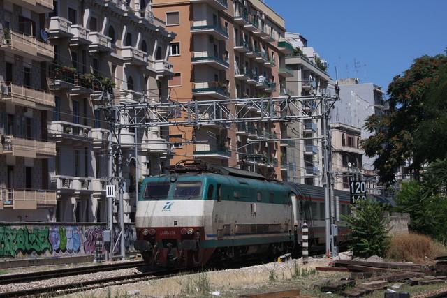 E 444-106 Bari via Emanele Mola