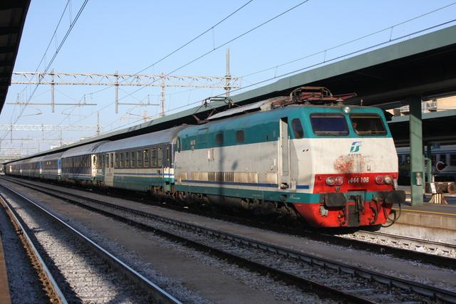 E444-109 Bari Centrale