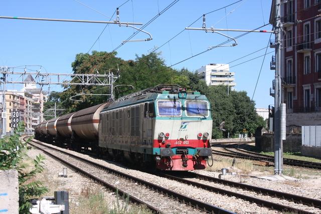 E652 003 Bari via Emanele Mola