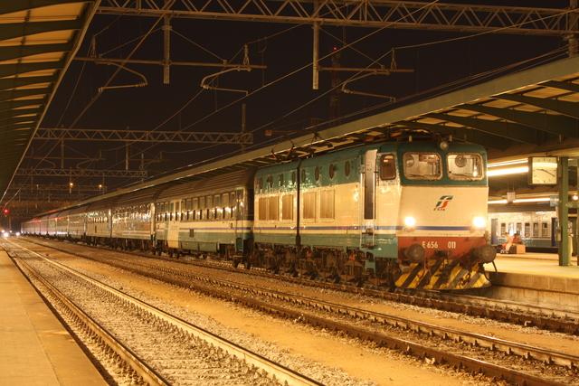 E656 011 Bari Centrale