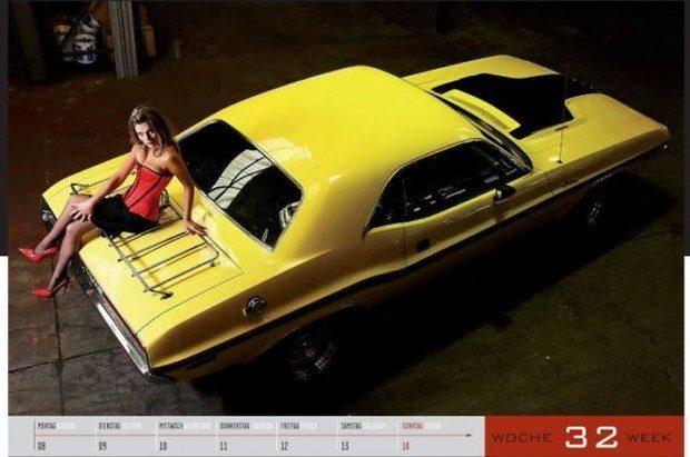 Dziewczyny i legendarne auta USA w jednym kalendarzu :) 16
