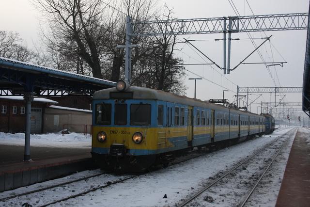 EN57-953 ra Rzepin