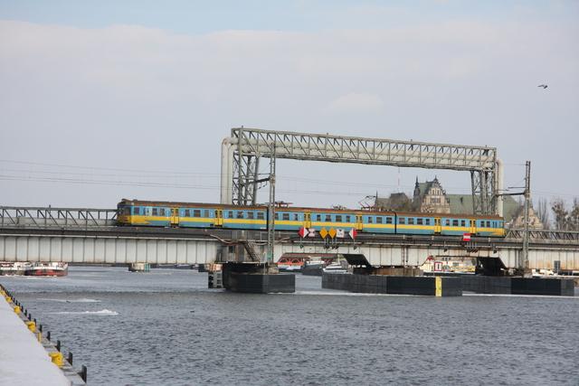 EN57-xxx Szczecin Oderbrücke