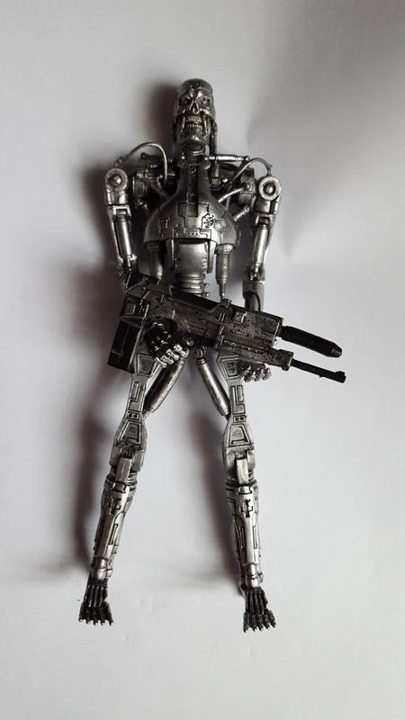 endoskeletonejutu.jpg