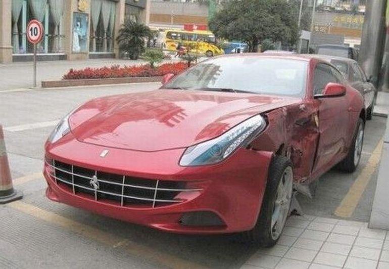 Wypadki najdroższych samochodów #2 35