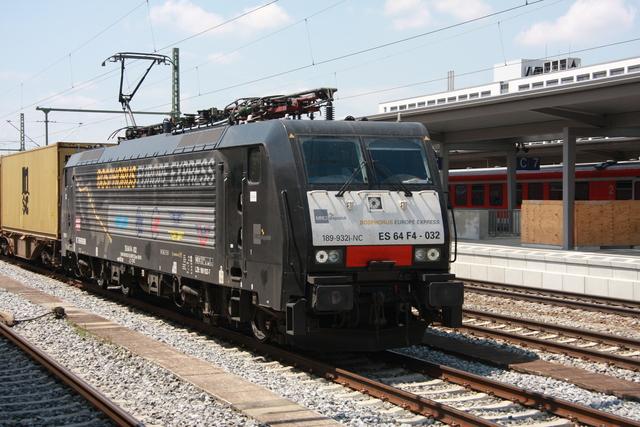 ES64 F4-032 München Ostbahnhof