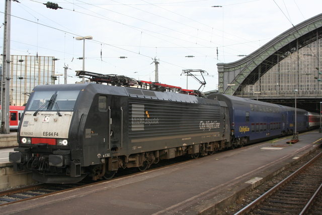 ES 64 F4-092 CityNightLine Köln Hbf