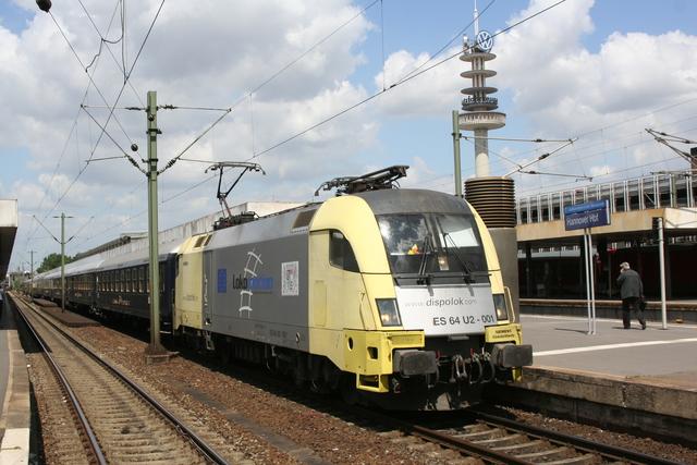 ES 64 U2-001 Einfahrt Hannover Hbf