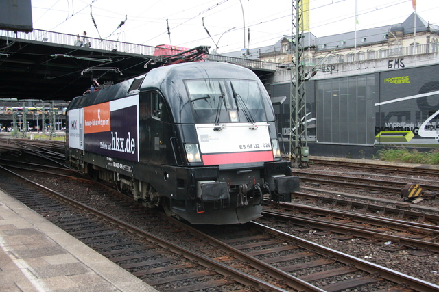 ES 64 U2-026 Ausfahrt Hambrg Hbf
