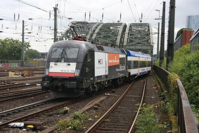 ES 64 U2-026 HKX Ausfahrt Köln Hbf