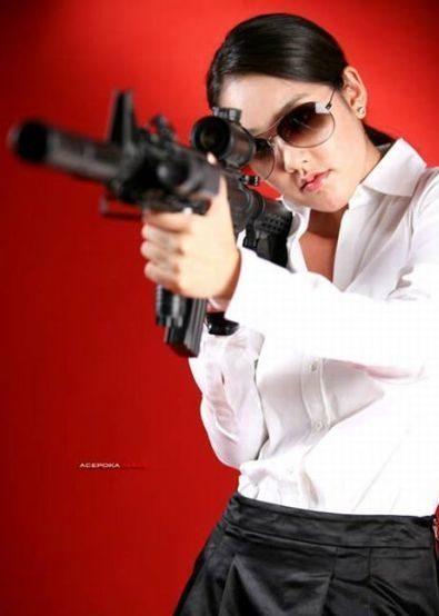 Uzbrojone dziewczyny 35
