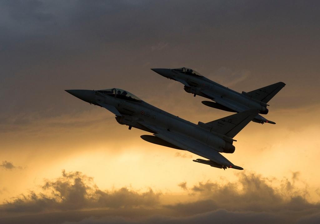 eurofighter-typhoons-qqk73.jpg