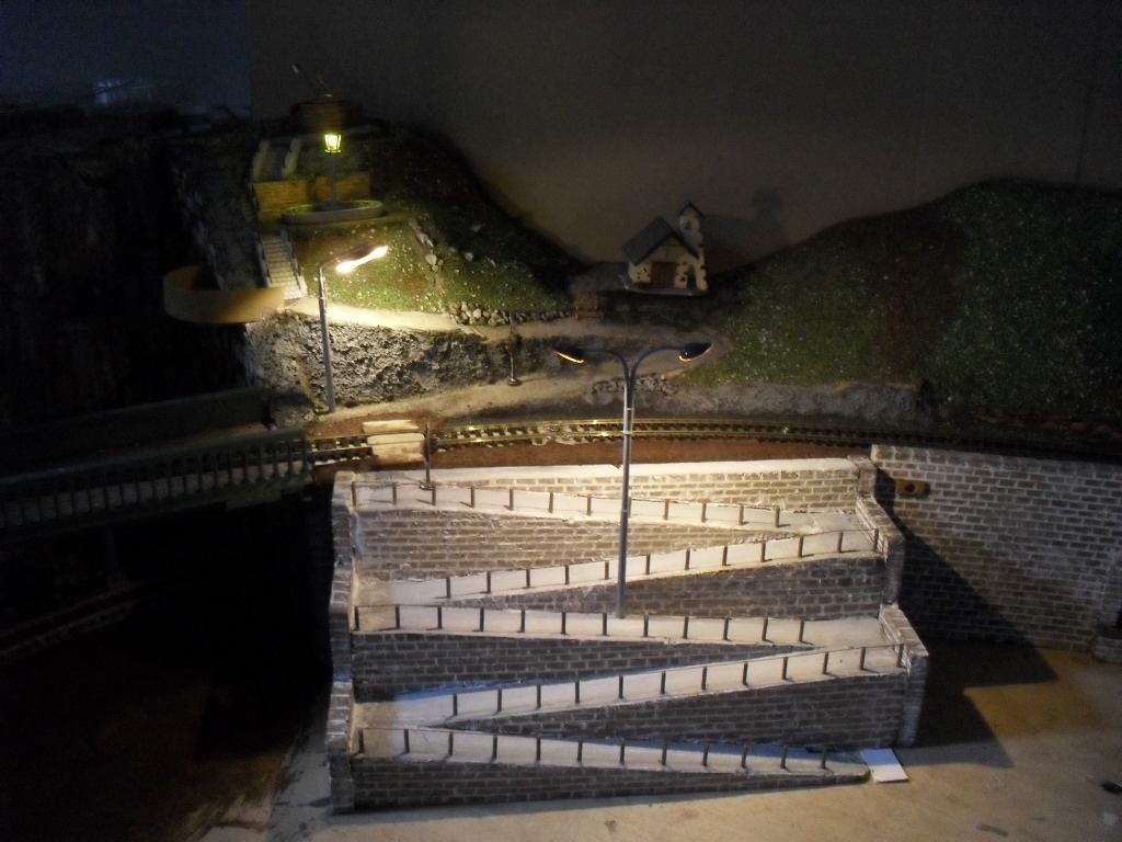 Spielanlage - bunt gemischte Resteverwertung Falzaregokapelle3vwq9h