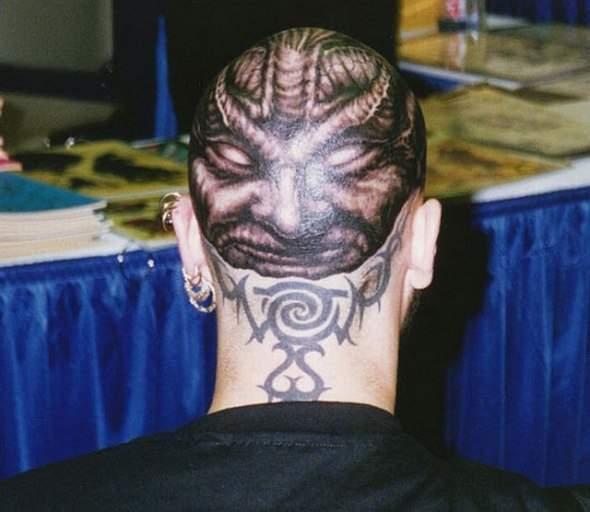 Z serii dziwne tatuaże: oczy dookoła głowy 3