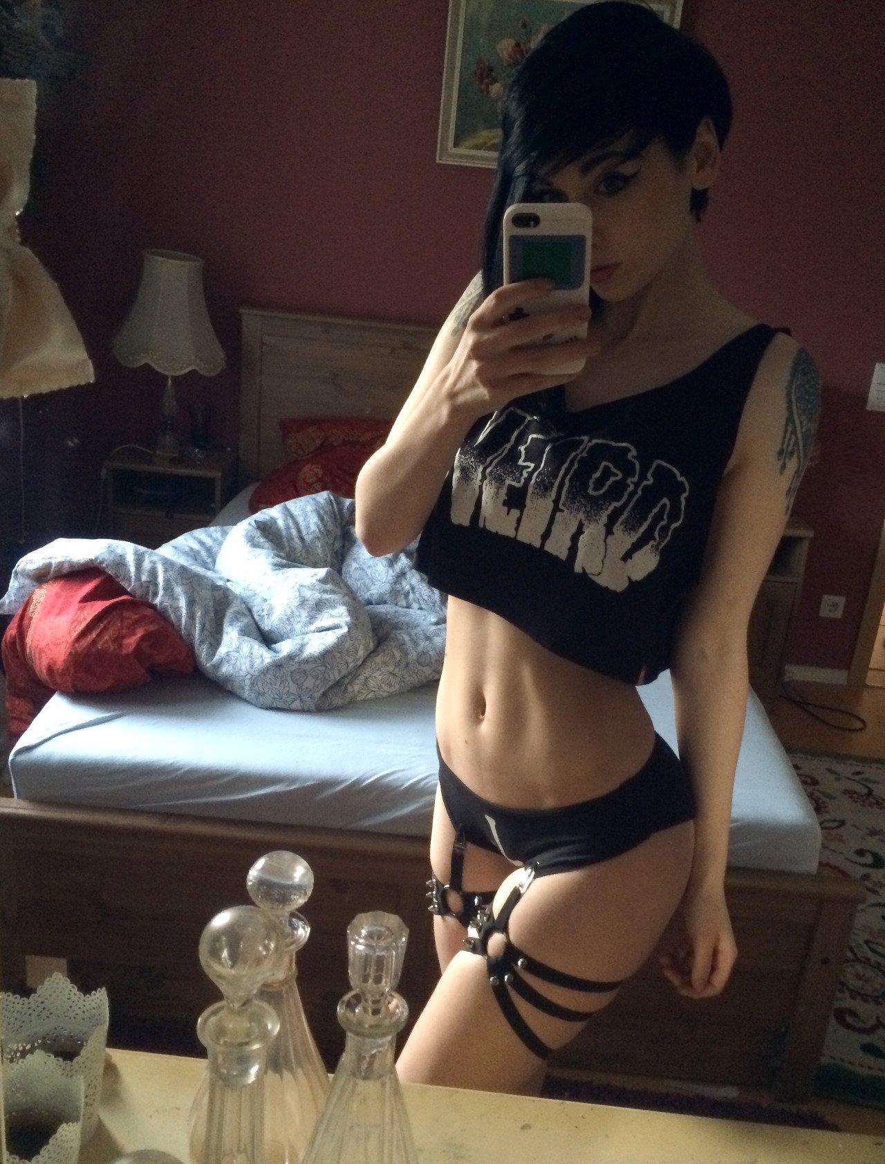 Dziewczyny z tatuażami #7 20