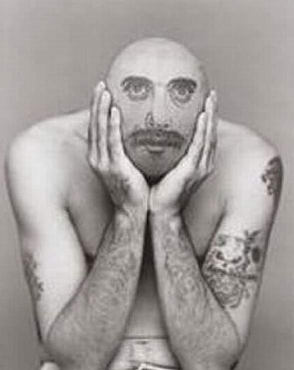 Z serii dziwne tatuaże: oczy dookoła głowy 14