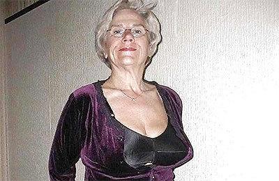 Geile frauen bilder alte Mädchen tragen