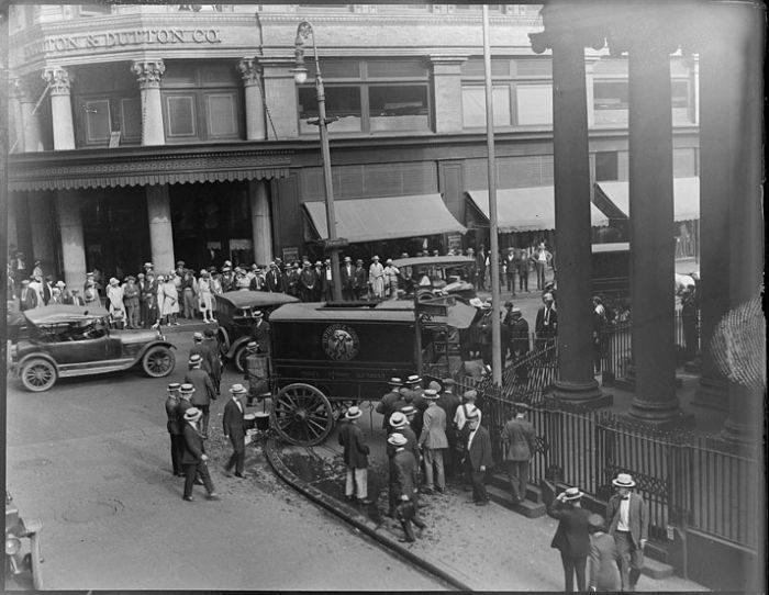 Wypadki samochodów w latach 30. 23