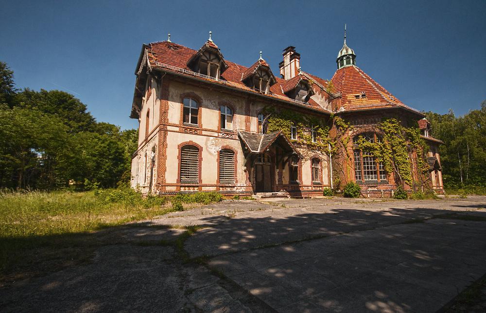 http://abload.de/img/heilstttenhaus20sis.jpg