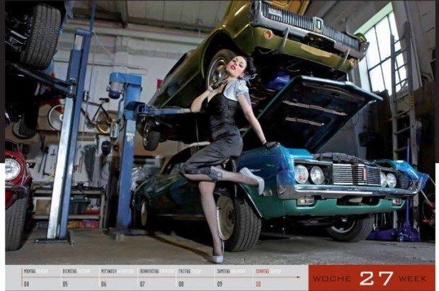 Dziewczyny i legendarne auta USA w jednym kalendarzu :) 14