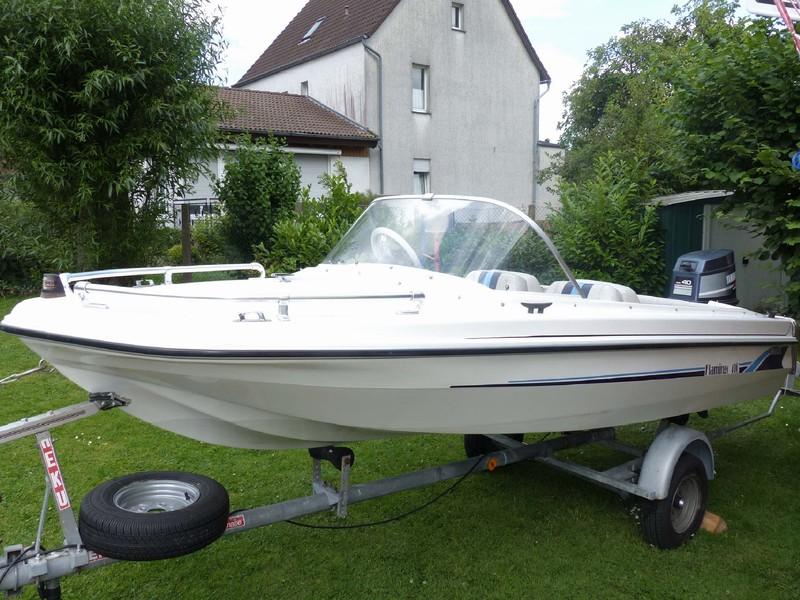 sportboot motorboot boot mit yamaha au enborder motor. Black Bedroom Furniture Sets. Home Design Ideas