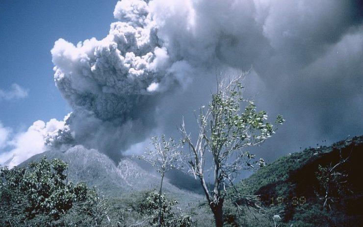 Miasto po erupcji wulkanu 42