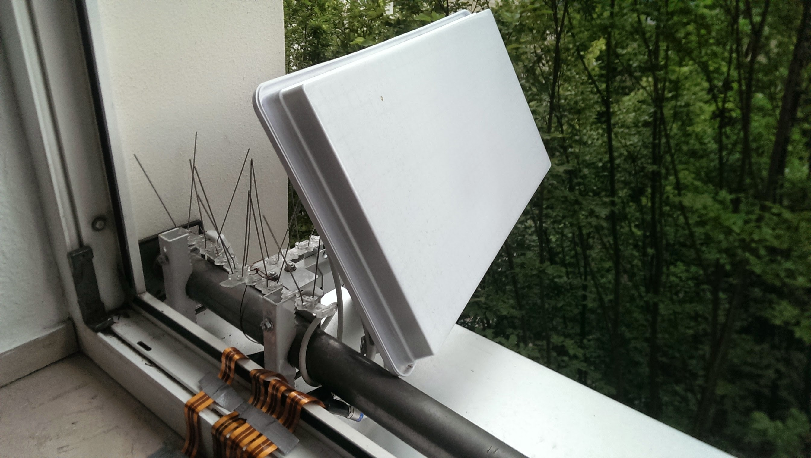 mobile camping satellitenanlage medion inkl sat receiver. Black Bedroom Furniture Sets. Home Design Ideas