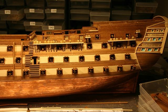 Baubericht - HMS Victory von Constructo in 1/98  - Seite 2 Img_0448rnsuj