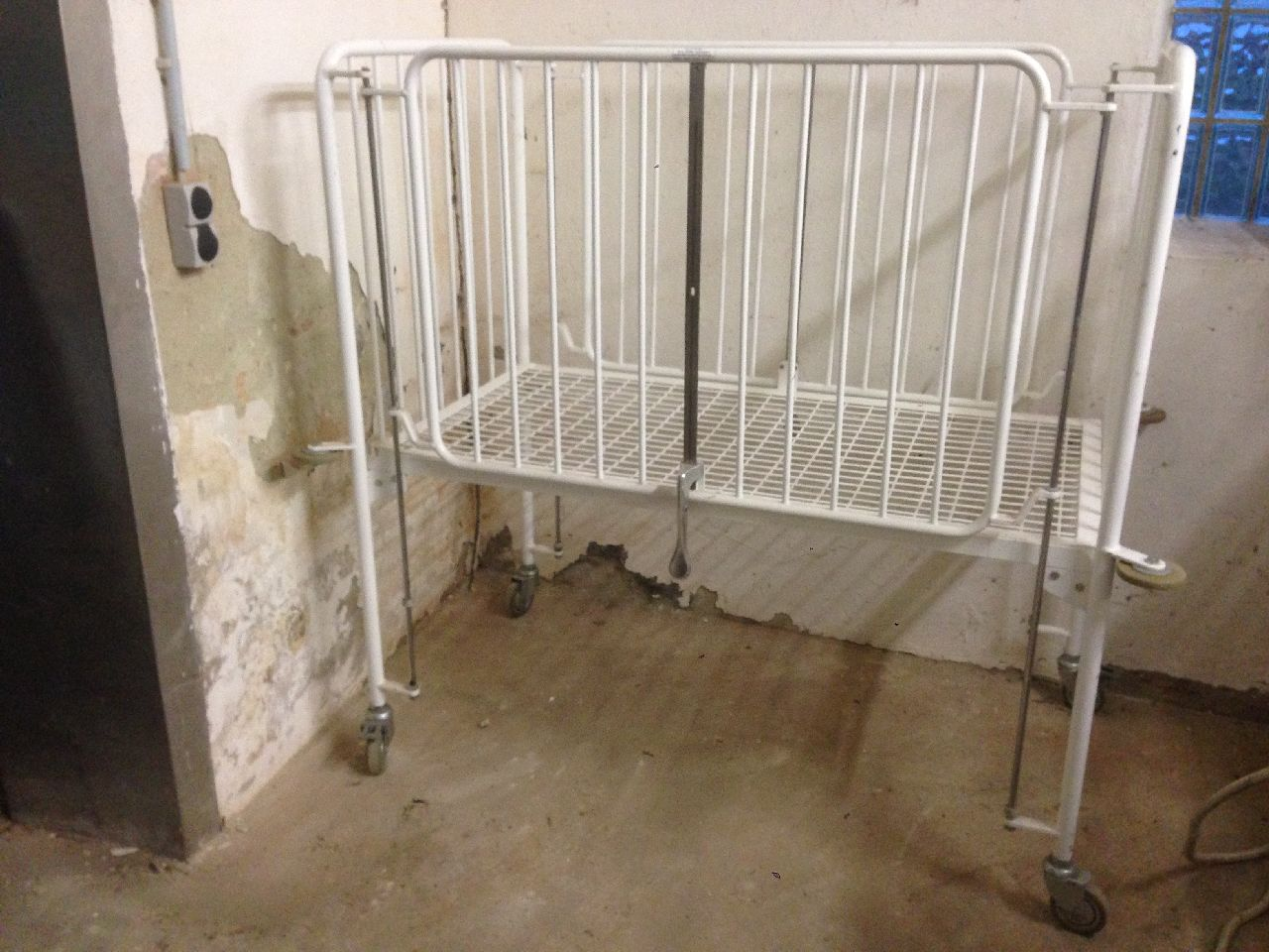 Großes krankenhaus baby bett kinderbett gitterbett metallbett ...