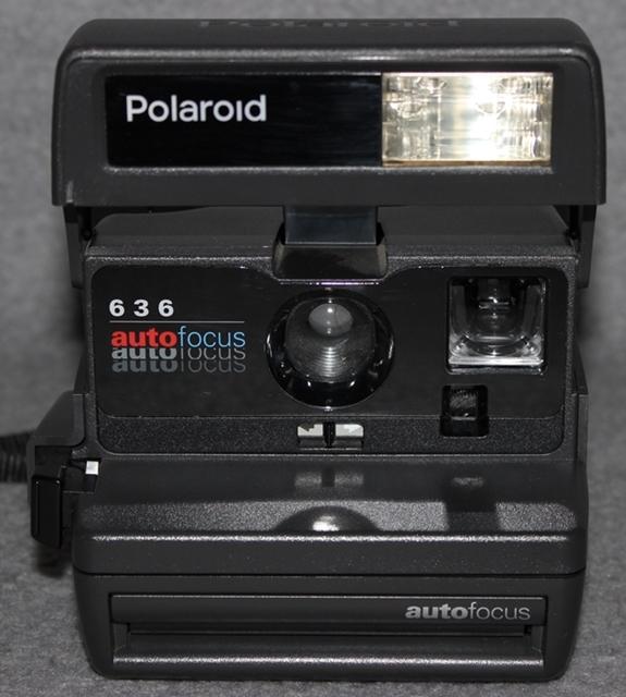polaroid 636 autofocus sofortbildkamera kamera vintage mit halsriemen ebay. Black Bedroom Furniture Sets. Home Design Ideas