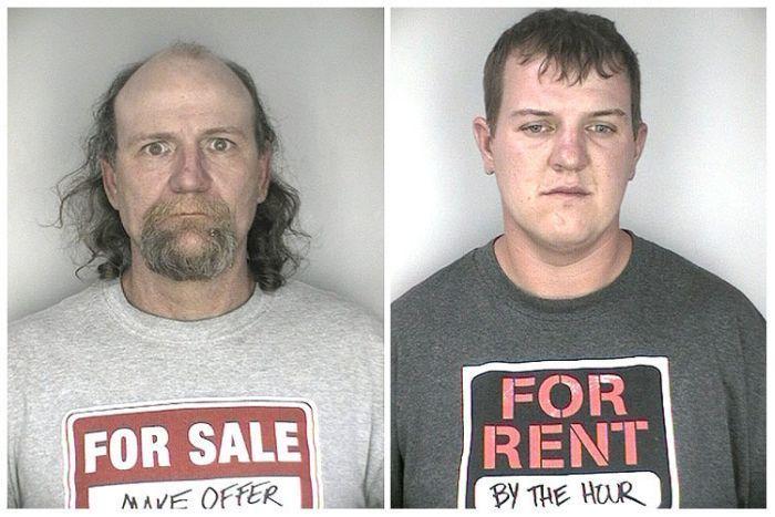 Aresztowani w ironicznych koszulkach 1