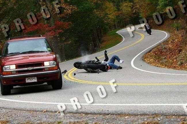 Wypadek motocyklisty klatka po klatce 5