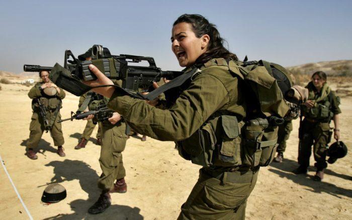 Kobiety w mundurach 3