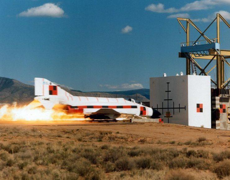 Test zderzeniowy myśliwca 1