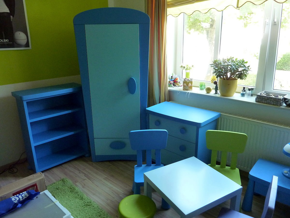 komplettes ikea kinderzimmer mammut blau bett schrank kommode tisch. Black Bedroom Furniture Sets. Home Design Ideas