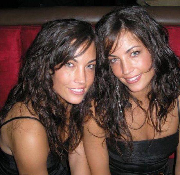 Gorące bliźniaczki 15