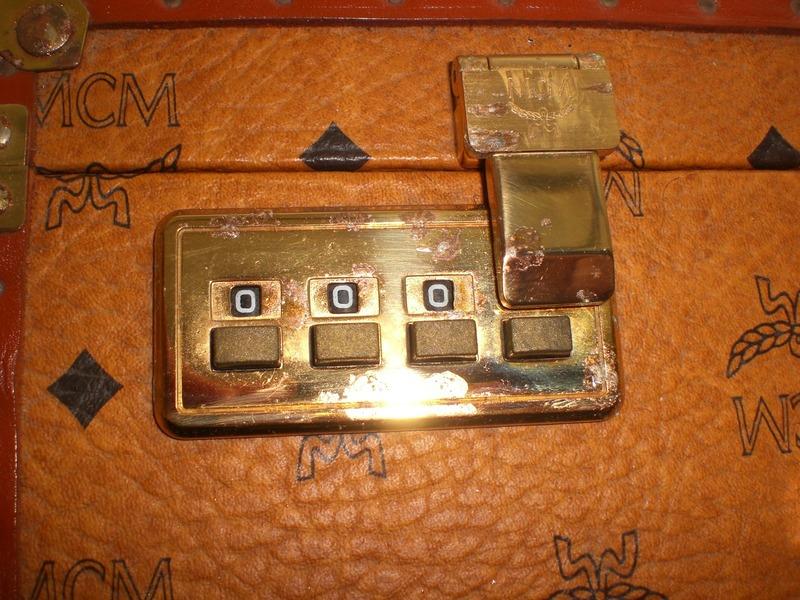 exclusiver mcm koffer leder tasche zahlenschlo hardcase vintage 46x36cm suitcas ebay. Black Bedroom Furniture Sets. Home Design Ideas