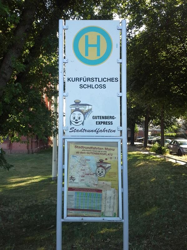 """Haltestelle """"Gutenberg-Express"""" am Schloss"""
