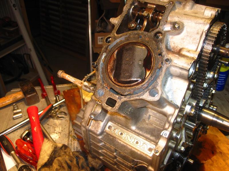 CX 500 Motorrevision 2 - Dornwitchen - Seite 3 Motore2157kolbenlinksdgkj5