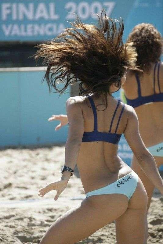Cheerleaderki na plaży 28