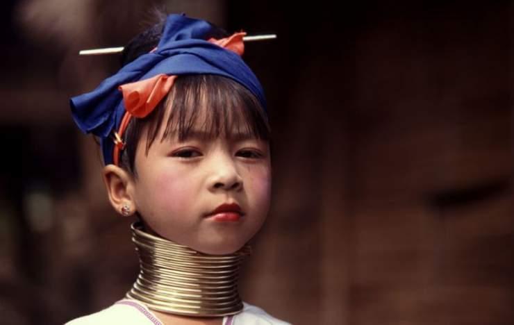 Długie szyje kobiet z plemienia Padaung 24