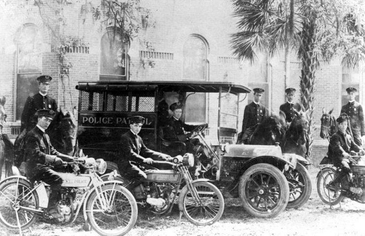 Policja w ubiegłym wieku 18