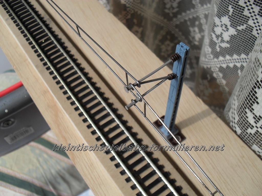 Oberleitungsmastenserienfertigungsbeginn Oberleitung-6wm3zpnv