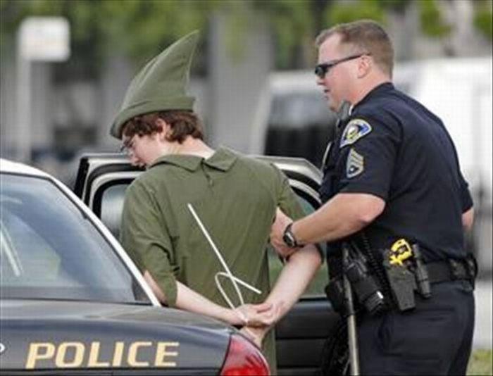 Aresztowani w przebraniu 6