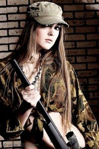 Uzbrojone dziewczyny 26